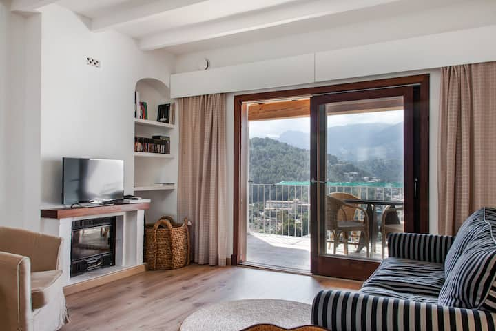 Two bedrooms flat in Port de Sóller L12E 8677