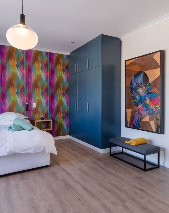 12 Apostles Deluxe Room - Bedroom