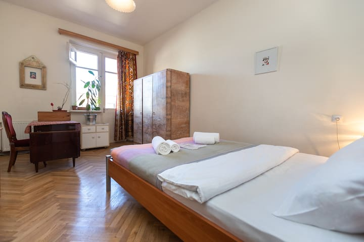 New-30%❁Vintage apartment for up to 4ppl  in Vake❁