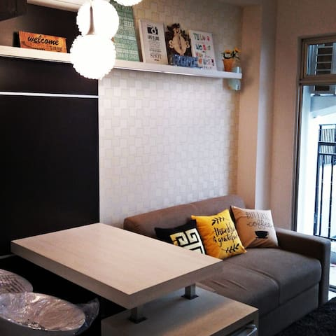UPDATED!GREAT LOCATION! AMAZING APARTMENT UNITS!