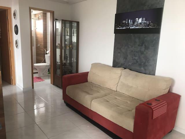 Quarto em apartamento no centro de Tijucas