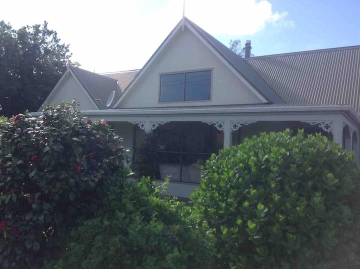 Kempton Street Cottage