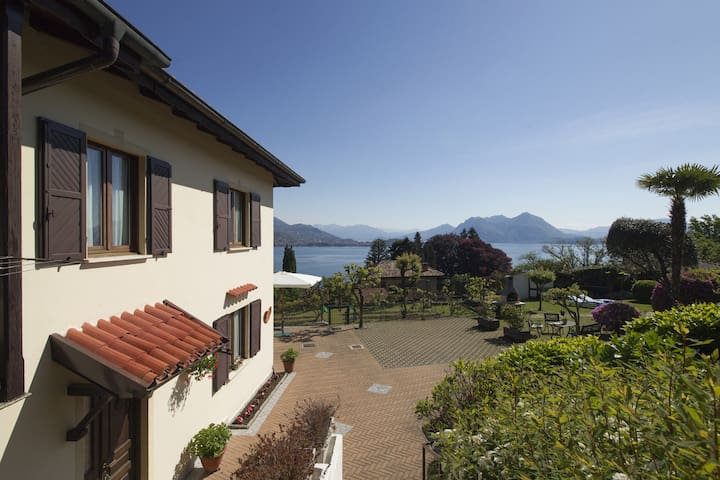The cottage on the lake - Baveno - Villa