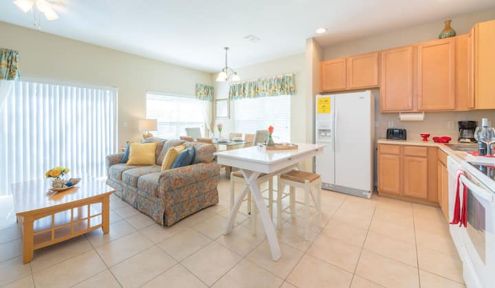 Family Resort - 3BR Home Near Disney - Private Hot Tub!