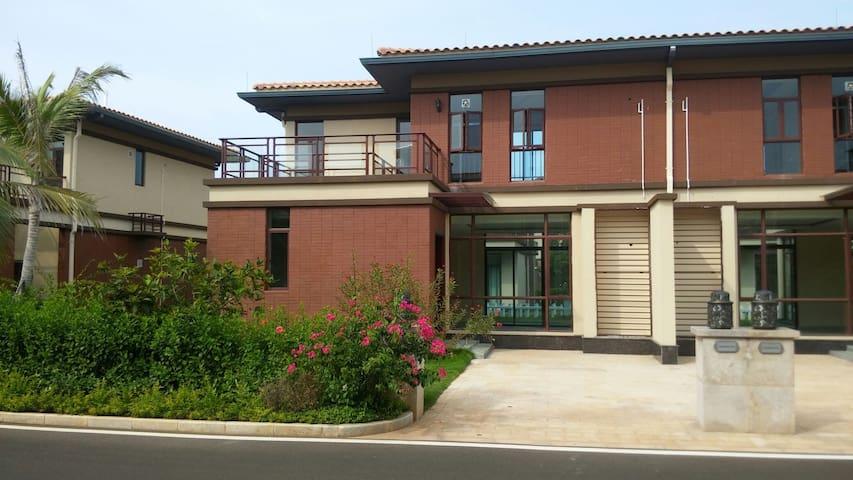 海南临高县,临海度假别墅,2层独栋,有大面积院子,距离海边不到500米 - 临高县 - Vila