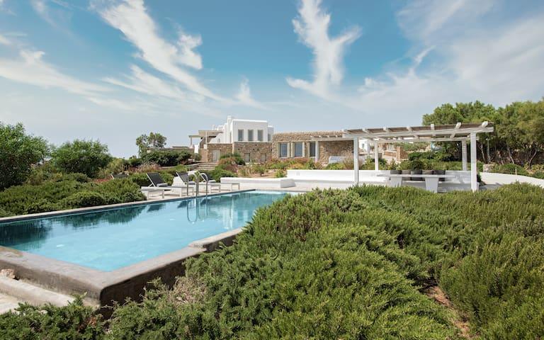 Mykonos Unique Maha Villa by 2 Doors