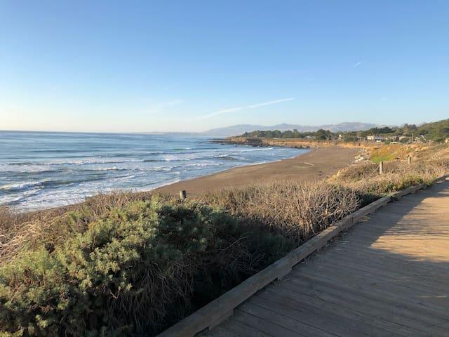 Boardwalk at Moonstone Beach (pic3)