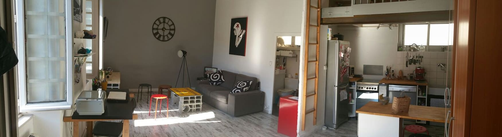 Petit loft en centre ville - Aubenas - Apartamento