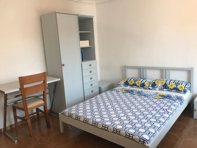 Double room near metro station