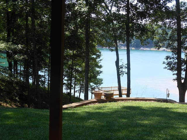 Keowee Lakefront, 2 BR Suite, Close to Clemson
