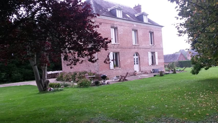 Maison de charme idéale famille 25 km de la mer - Gonneville-sur-Scie - House