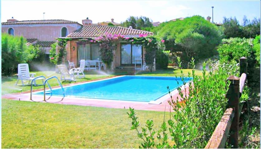 Stintino, Villa Daniela con piscina per 5 persone - Stintino - Talo