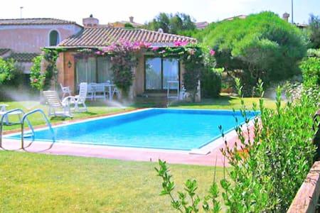 Stintino, Villa Daniela con piscina per 5 persone - Stintino - 独立屋