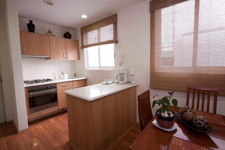 Lovely apartment, perfect location!