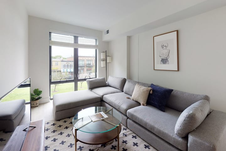 Spacious 1BR in Capitol Hill w/ Pool Near Metro