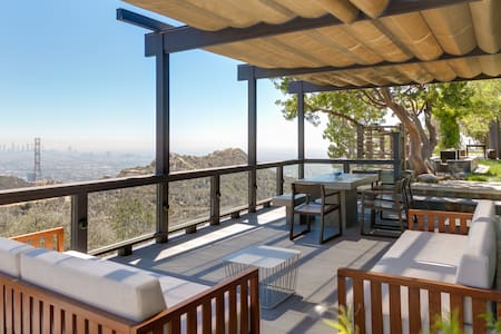 Hollywood Hills Home 4BR, Amazing 360 Views - Los Angeles