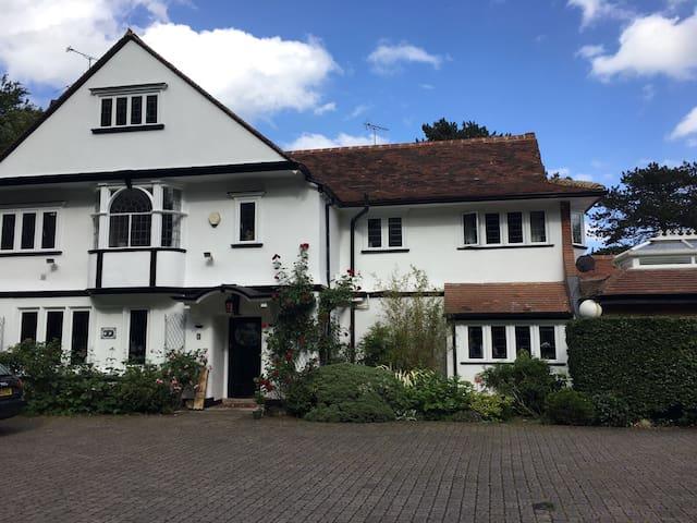 Luxurious Edwardian 6 bed house