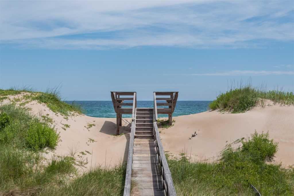 JR29: Capt. Brad's   Walkaway Dune