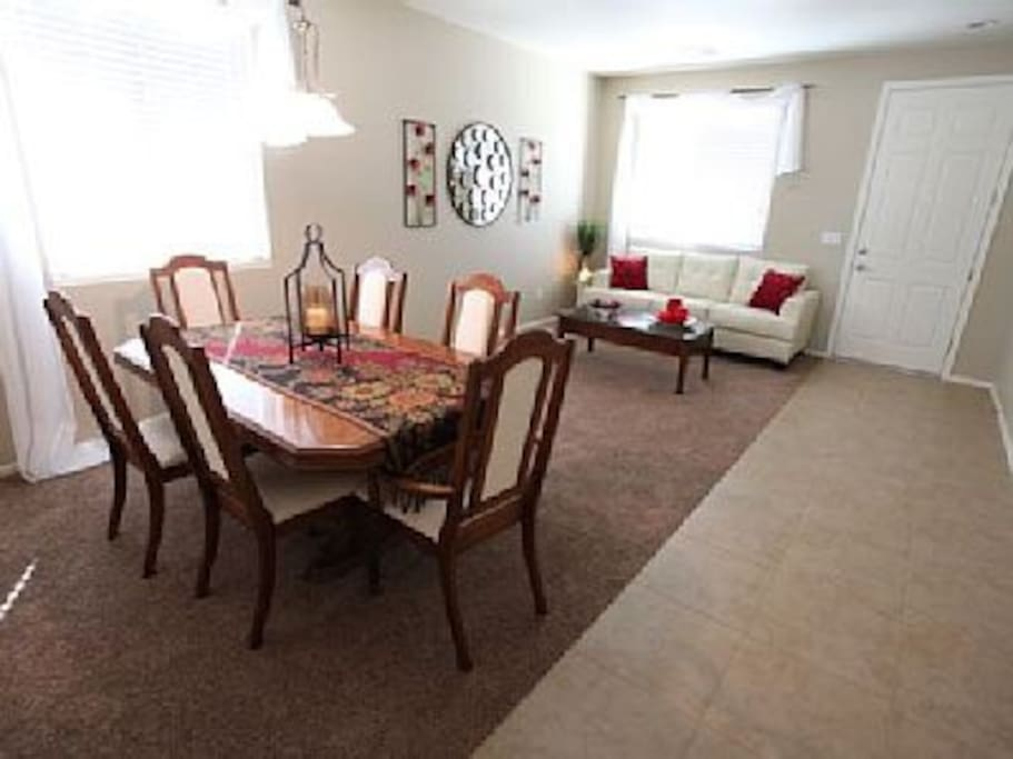 Sunny haven golf community houses for rent in queen for Living room queen creek