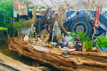 香格里拉-古城中心-木子小院客栈-小院可停车-可做饭-可喝茶-有花园!木子可亲自开车带您游玩!