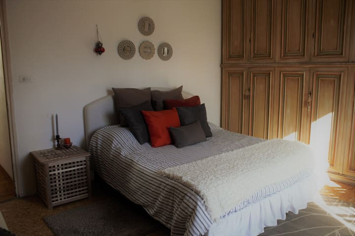 Davide and Davina - Double Bedroom - Florence - Appartement