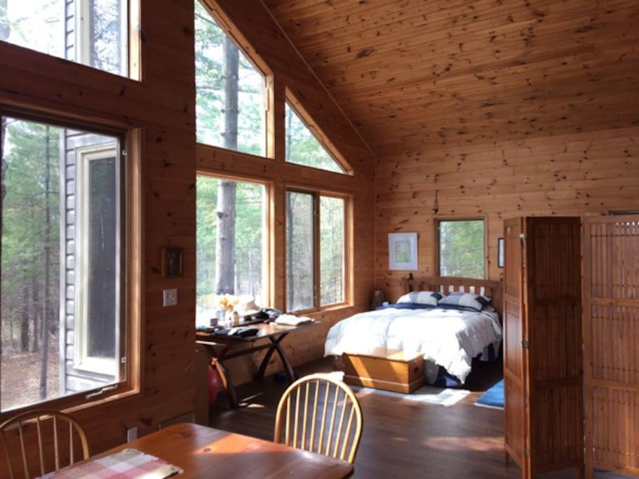 Wolfe Lake Solitude Cottages For Rent In Westport Ontario Canada