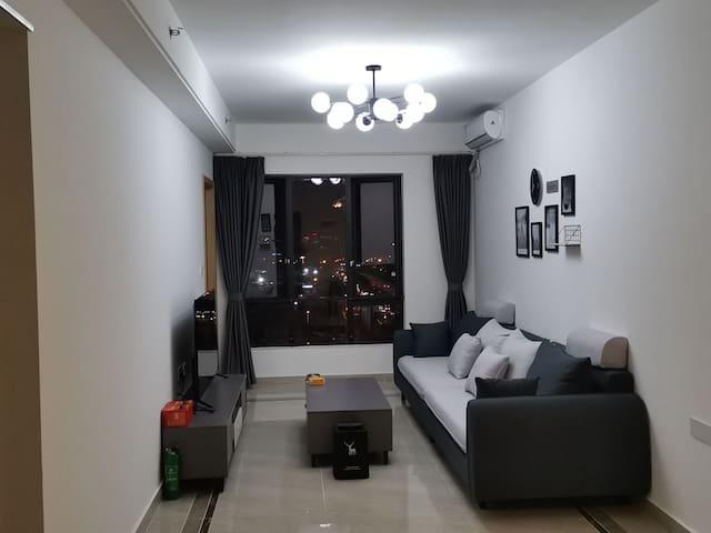 3.广州南站简•公寓大床房 专车免费接送.