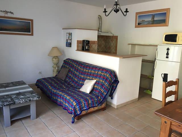 Loue appartement T2 meuble 400 euro la semaine