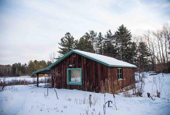 Glamping Studio @Loon Lake Guesthhouse