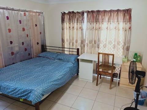 Lovely comfy Bedroom for 1 & 2