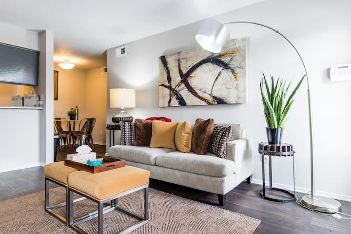 ⭐️ North Dallas Luxe Apartment ⭐️
