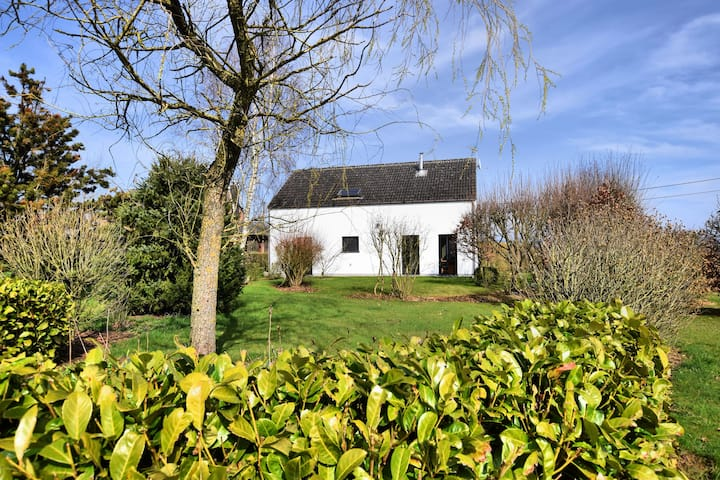 Spacious and attractive holiday home in peaceful setting with beautiful, large garden