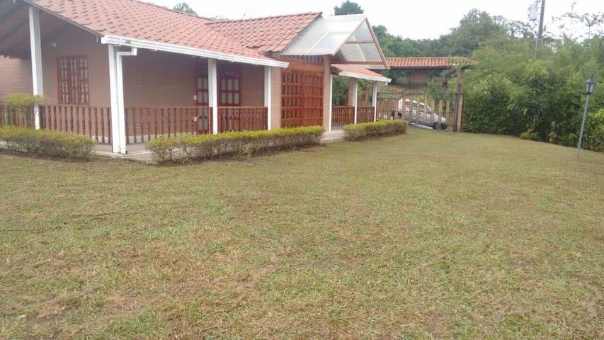 Casa campestre en condominio - Jamundi - Huis
