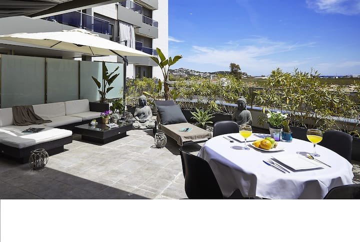 LUXURY FLAT WITH TERRACE AND POOL