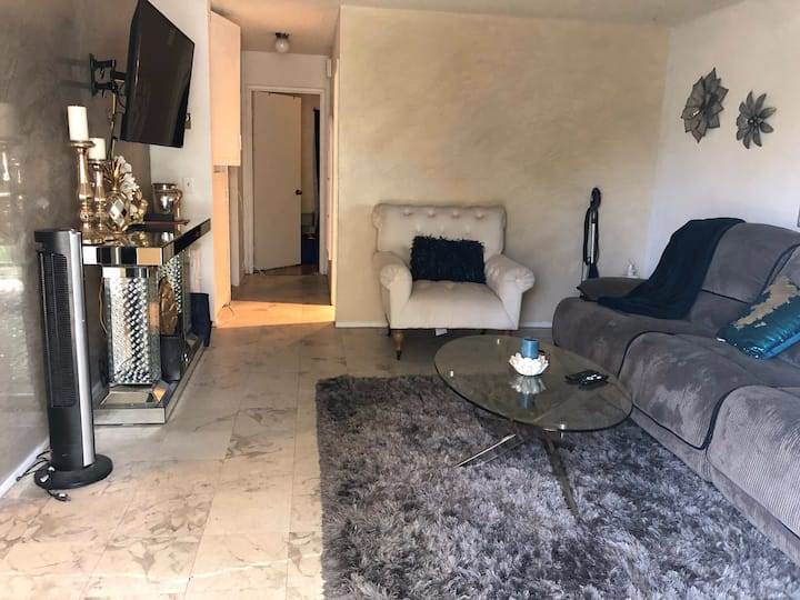 Stylish, beautiful room in the city