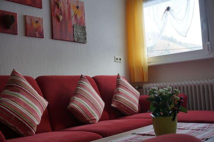 Brujosenhof, (Oppenau-Ibach), NR-Ferienwohnung, 80qm, 3 Schlafzimmer, max. 6 Personen