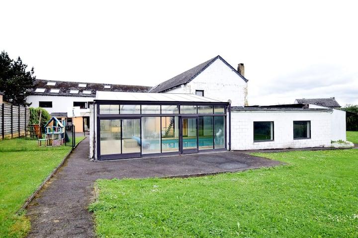 Vrijstaand vakantiehuis in de Ardennen met indoor zwembad