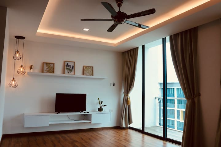 Top-Floor Residence in Vivacity Megamall