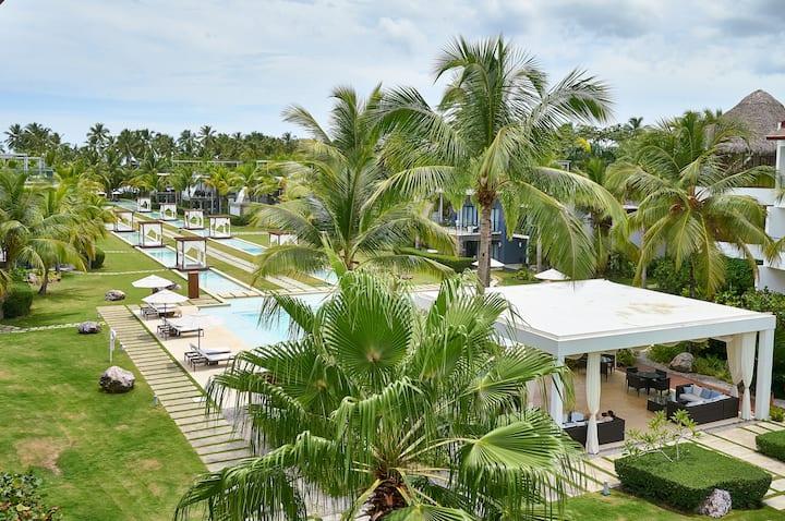 Luxury Beach Resort Apartment in Coson (HOT TUB) !
