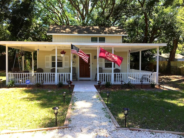 Beautiful Bungalow in the heart of Tampa!