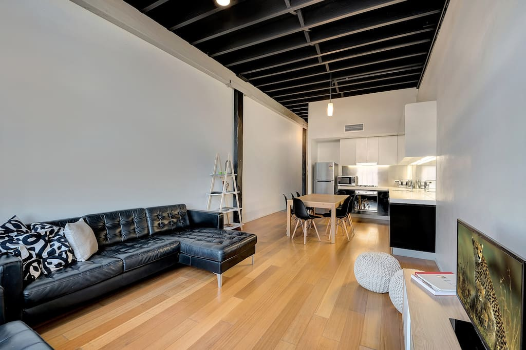 Nyc Style 3 Bedroom Warehouse Apartment Apartments For Rent In Teneriffe Queensland Australia