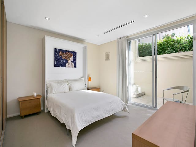 Balmoral, Mosman, luxury bedroom private access