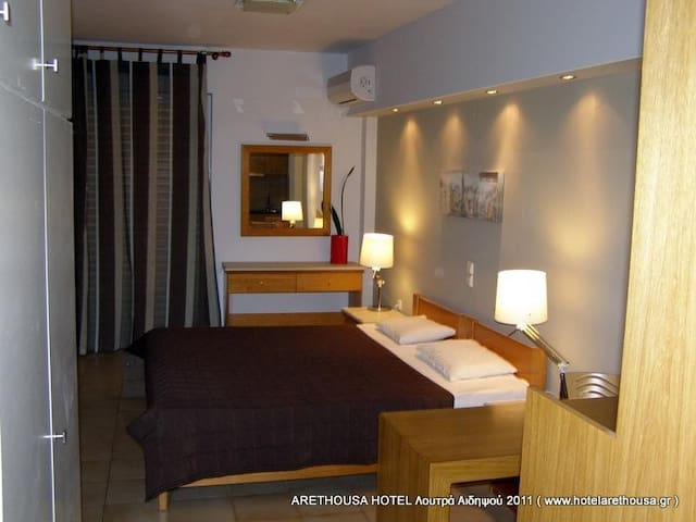 ARETHOUSA HOTEL - Loutra Edipsou - Appartement