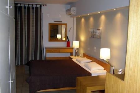 ARETHOUSA HOTEL - Loutra Edipsou - Apartament