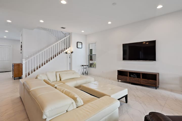 New Large 5BR 3.5BA house in Palm Beach Gardens
