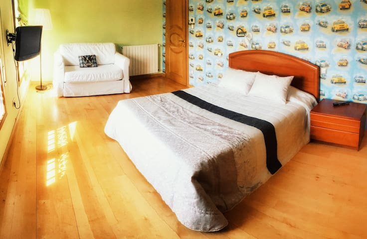 Bed & Breakfast & Jacuzzi 15 MIN BILBAO/SEA - Zalla - Rumah