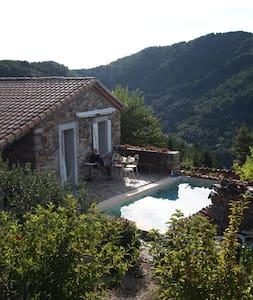Chambre avec piscine Le Céréïbé - Beaumont - Guesthouse