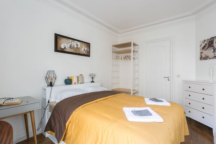 APARTMENT NEAR CANAL SAINT MARTIN 75010 PARIS