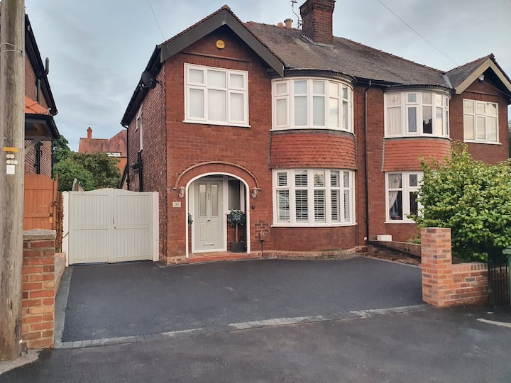 Amazing Modern 3 bedroom semi detached family home