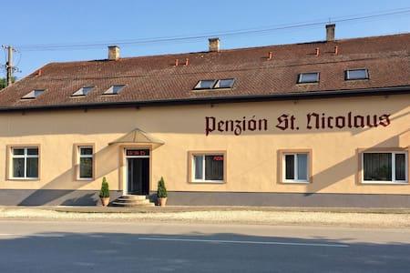 Penzión St. Nicolaus, Sečovce - Sečovce - Bed & Breakfast
